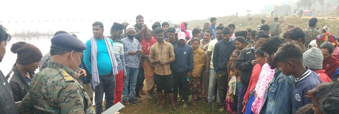 Dead Body In Patratu : हजारीबाग मेडिकल कॉलेज की छात्रा का शव रामगढ़ के पतरातू से बरामद, हत्या की आशंका, जांच में जुटी पुलिस
