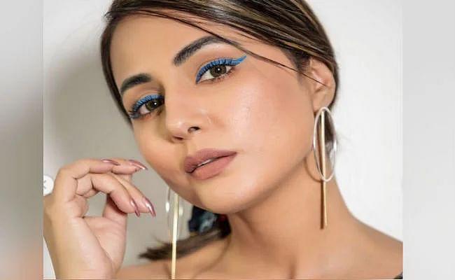 PHOTOS : स्टाइलिश आउटफिट में बेहद हॉट दिख रही हैं हिना खान, अपनी बोल्ड तसवीर से इंटरनेट पर छाईं एक्ट्रेस