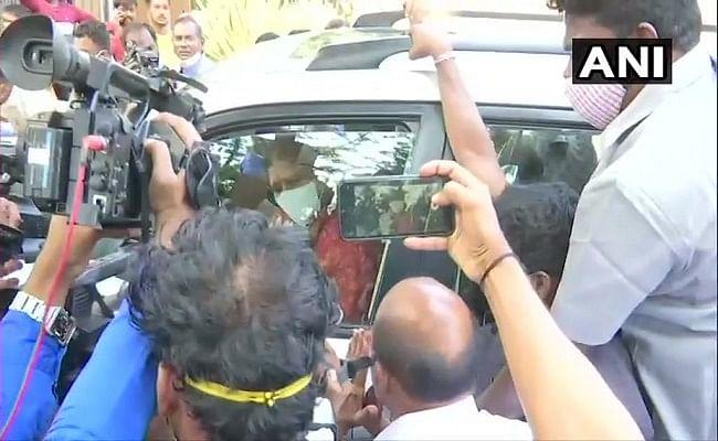 AIADMK से निष्कासित नेता वीके शशिकला को अस्पताल से मिली छुट्टी, जेल से हो चुकी है रिहा