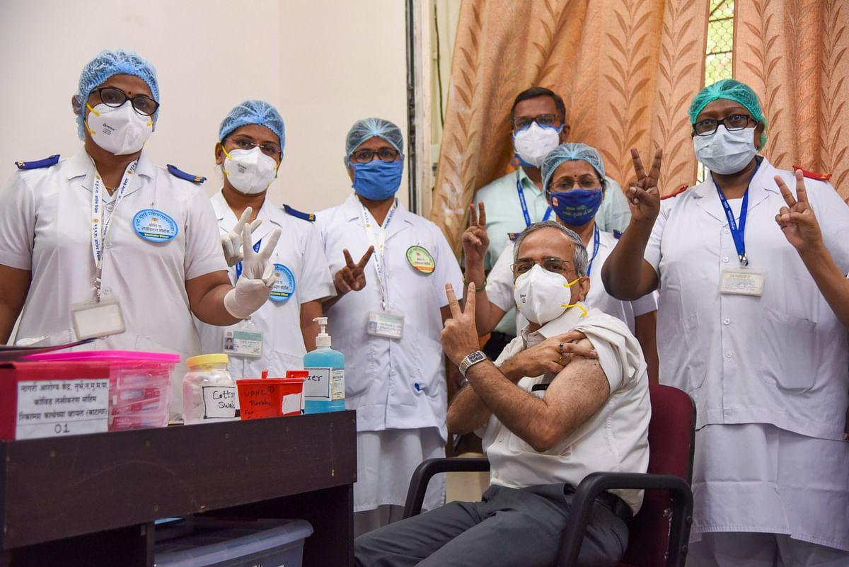Corona Vaccine News : भारत में दुनिया का सबसे बड़ा टीकाकरण अभियान, पहले दिन 1.65 लाख लोगों को दी गयी वैक्सीन की पहली डोज