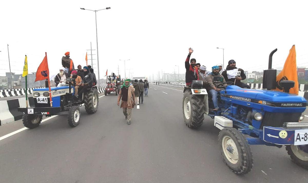 Kisan Andolan: किसानों ने हजारों ट्रैक्टर के साथ निकाली रैली, कहा- 26 जनवरी का है रिहर्सल