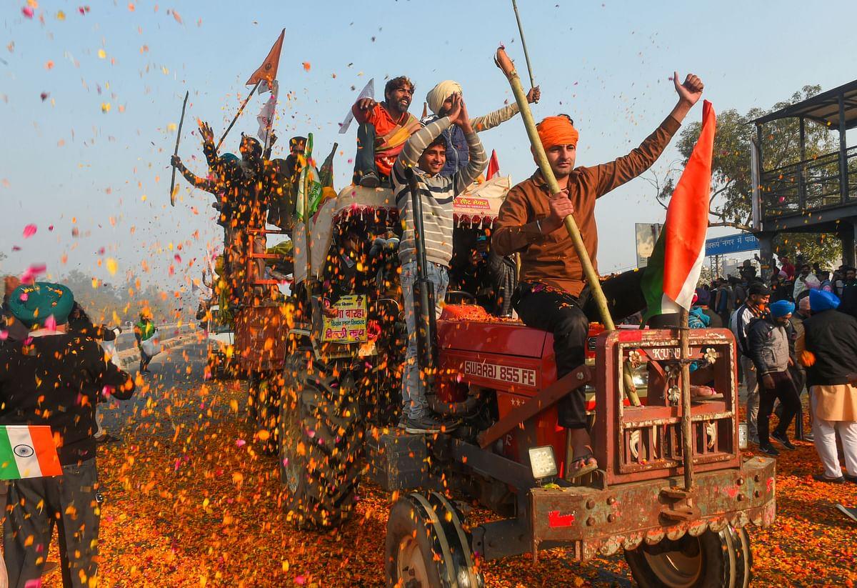 Farmers Protest/Tractor Pared : किसानों की ताकत कब बदल गई तबाही में, तस्वीरें बयां कर रहीं...