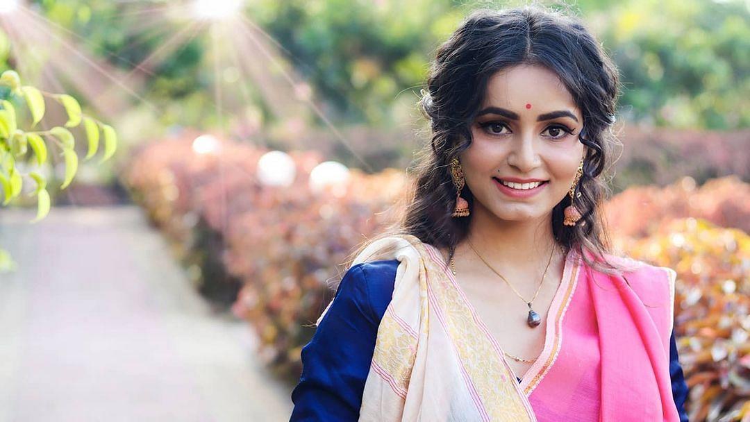 बिहार की 'धाकड़ वुमनिया', ऋषिका सिंह चंदेल को 'नारी रत्न अवॉर्ड', सीता के किरदार से मिली पहचान