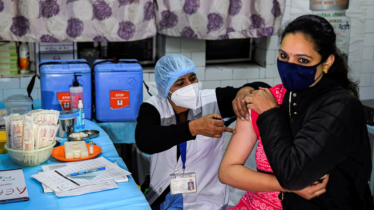 Corona Vaccine Bihar Live: बिहार में कोरोना वैक्सीन के लिए सभी सेंटर तैयार, थोड़ी देर बाद शुरू हो जाएगा टीकाकरण,जानें हर पल का अपडेट...