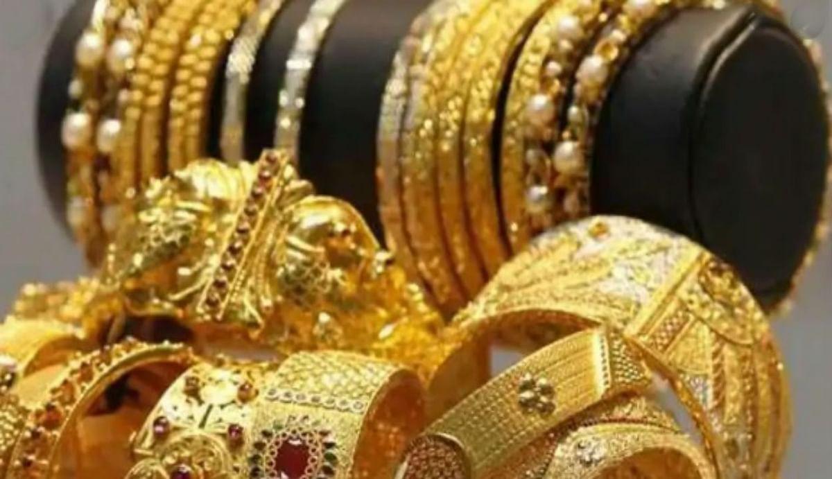 Gold Price : रुपये में सुधार होने से सस्ता हुआ सोना, जानिए 10 ग्राम का ताजा भाव