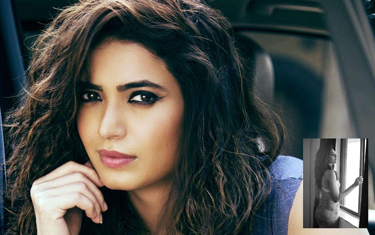 Naagin एक्ट्रेस Karishma Tanna ने शेयर की बोल्ड तस्वीर, सोशल मीडिया पर यूजर बोले कड़क ...