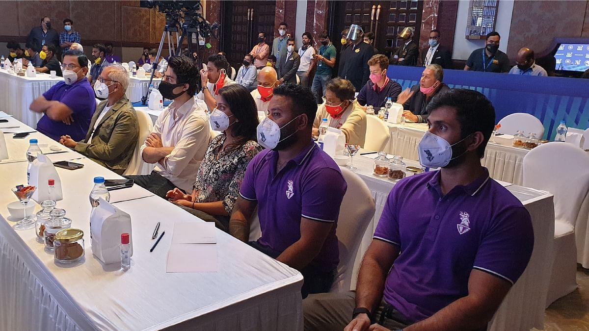 IPL 2021 Auction LIVE Updates : आईपीएल ऑक्शन में जमकर बरसे धन, जानें किस खिलाड़ी को किस टीम ने कितने में खरीदा