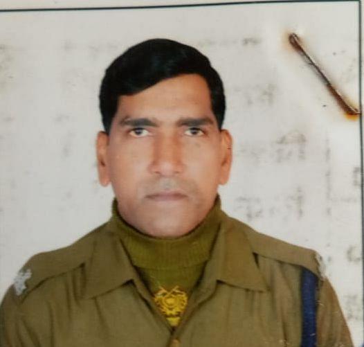 Jharkhand Crime News : गुमला में सीआरपीएफ जवान ने अपनी ही रायफल से खुद को गोली मारकर की आत्महत्या, कुछ दिनों पहले ही छुट्टी से लौटे थे कैंप