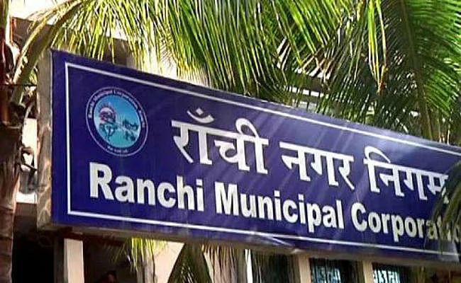 Ranchi: ठेला-खोमचे वालों के लिए ग्लव्स और मास्क जरूरी, प्रति पॉलिथीन 20 रुपये के हिसाब से लगेगा जुर्माना