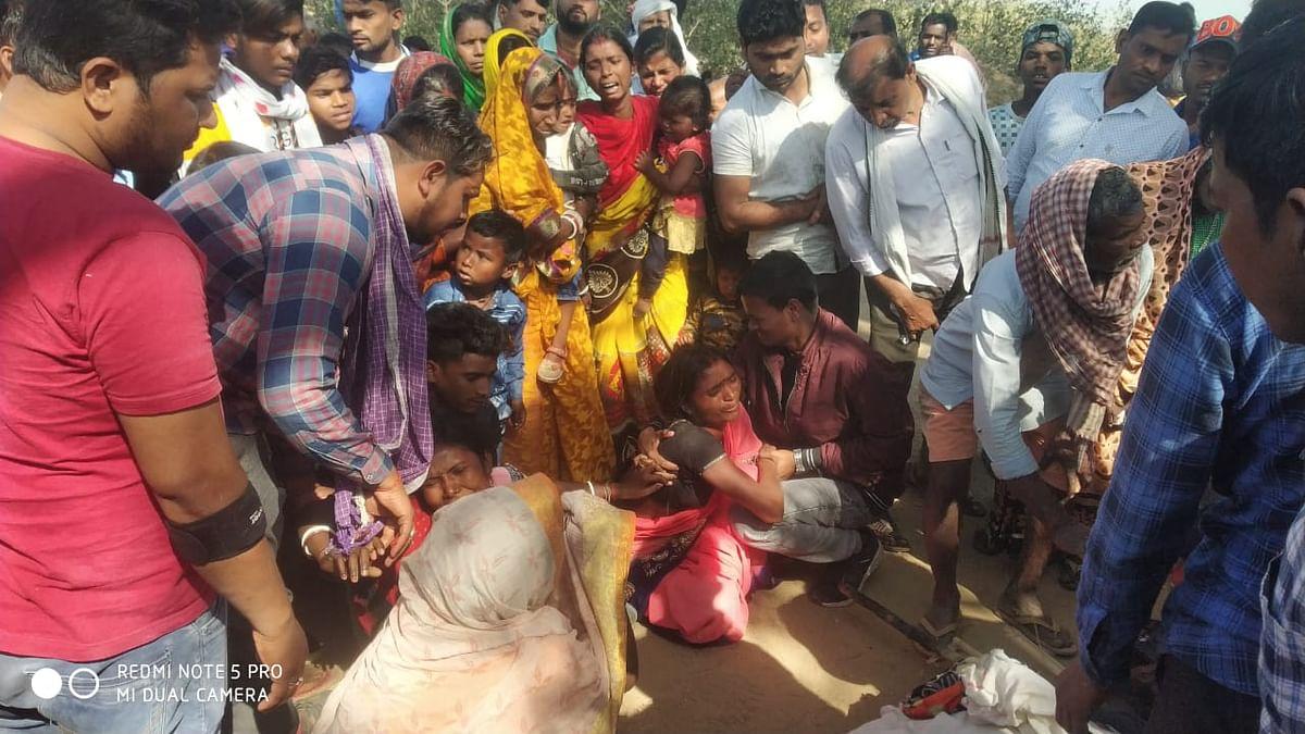 Jharkhand News : लकड़ी चुनने जंगल गयी महिला को हाथियों ने कुचलकर मार डाला, ढूंढने निकले युवक की भी हाथियों ने ले ली जान, दहशत में हैं हजारीबाग के ग्रामीण