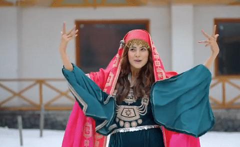 शहनाज गिल ने प्रीति जिंटा के गाने 'बुमरो-बुमरो' पर किया जबरदस्त डांस, दिल थाम कर देखिए एक्ट्रेस का ये वायरल VIDEO