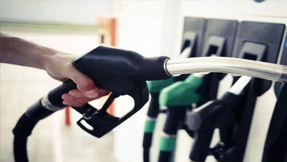 Jharkhand News : गुमला के पेट्रोल पंप में सुविधा देने के नाम पर ठगी, ऊपर से दे रहे हैं इतना एमएल कम तेल
