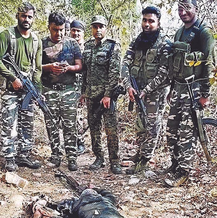 Bihar News: लखीसराय के जंगलों में पुलिस और नक्सलियों के बीच 4 घंटे मुठभेड़, हार्डकोर नक्सली मनसा कोड़ा  ढेर