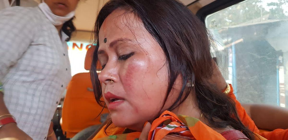 जेपी नड्डा के आने से पहले बंगाल में पुलिस ने BJP कार्यकर्ताओं पर चटकायी लाठियां, महिला का किया ये हाल