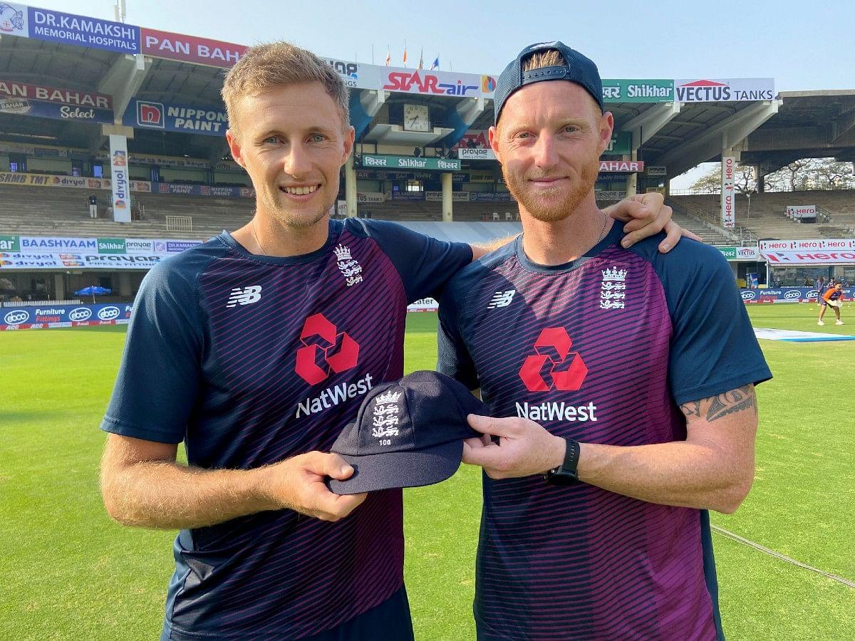 IND vs ENG Test Series: 100वें टेस्ट मैच के लिए स्टोक्स ने रूट को दी स्पेशल कैप, पहले दिन लंच तक इंग्लैंड के दो विकेट गिरे