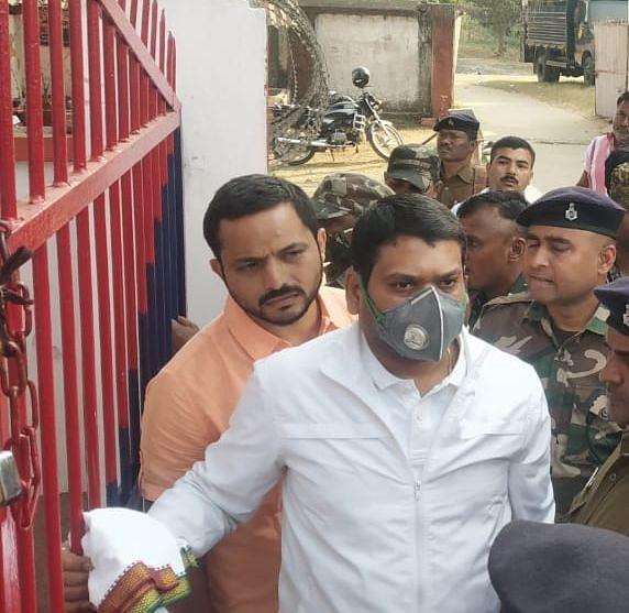 नीरज सिंह हत्याकांड : धनबाद के जेल सुपरिंटेंडेंट को अदालत ने क्यों किया शो कॉज, हत्या के आरोपी झरिया के पूर्व भाजपा विधायक ने कोर्ट से क्या किया था आग्रह