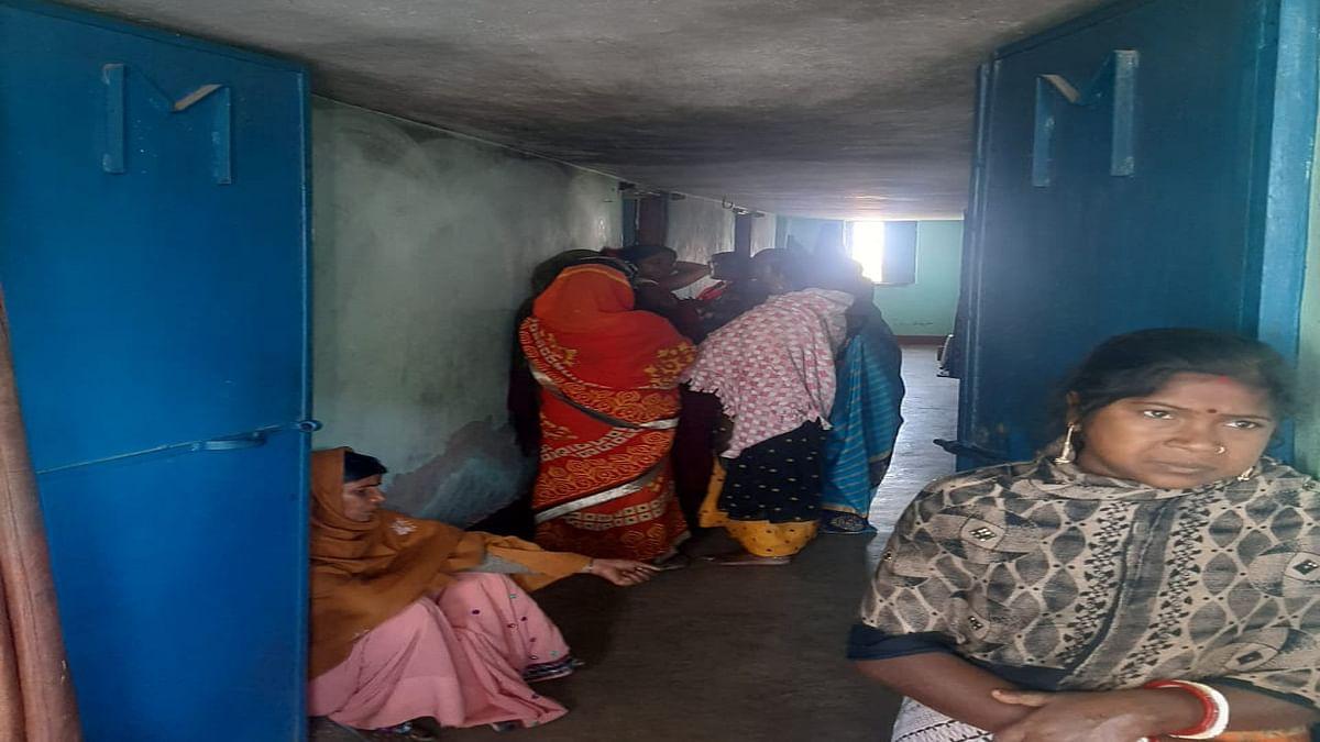 Jharkhand News : हजारीबाग में केरोसिन तेल विस्फोट से मां- बेटे की मौत, जानें अब तक कितने लोगों की गयी जान