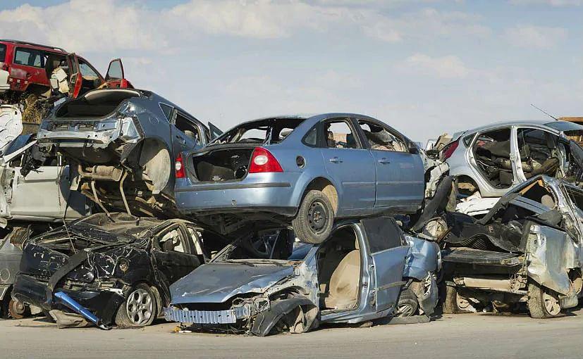 Vehicle Scrappage Policy: कबाड़ में गाड़ी देने वालों को होगा फायदा, कितनी नुकसानदेह है पुरानी गाड़ी, जानें