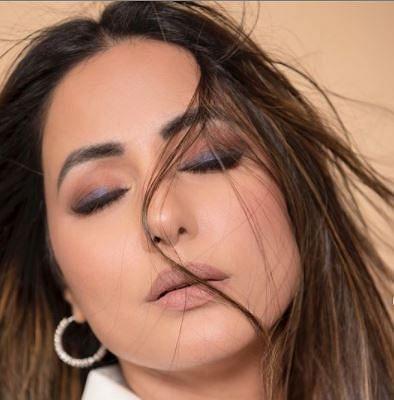 हिना खान ने लेटेस्ट फोटोशूट से फैंस को बनाया दीवाना, 'तूफानी सीनियर' की अदाओं से नहीं हटेगी नजर