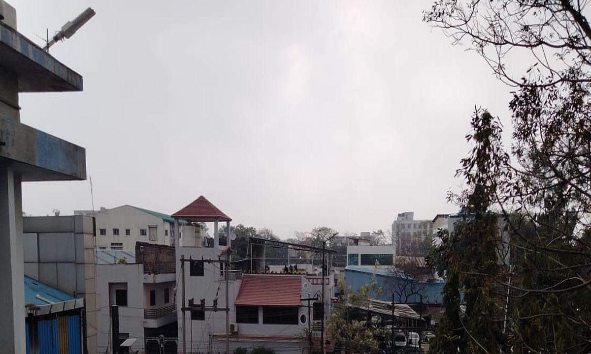 Bengal Weather Update: बंगाल में बदला मौसम का मिजाज, अगले 48 घंटे में राजधानी कोलकाता सहित इन जिलों में होगी बारिश
