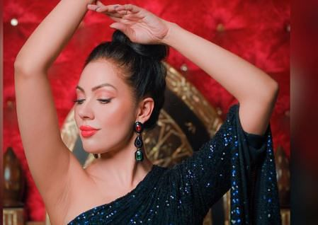 Taarak Mehta Ka Ooltah Chashmah : 'बबीता जी' शिमर ड्रेस में दिखीं बेहद हॉट, फैंस बोले- 'हर किसी को टप्पू...'