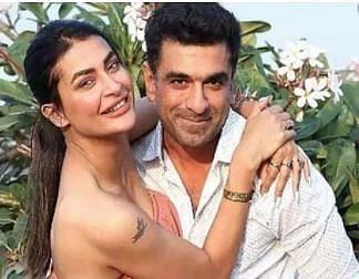 एजाज खान और पवित्रा पुनिया का रोमांटिक VIDEO वायरल, कैमरे के सामने करने वाले थे KISS, फिर...