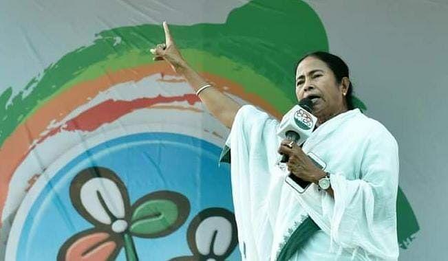Bengal Chunav 2021 से पहले फुरफुरा शरीफ में होगी बड़ी टूट ? पीरजादा तोहा सिद्दीकी और सीएम Mamata Banerjee के बीच मुलाकात के बाद सियासी अटकलें तेज