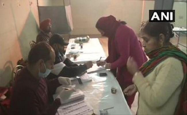 Punjab Municipal Election 2021 : 100 से अधिक निकायों में मतदान संपन्न, कई वार्डों के बूथों पर झड़प की घटनाएं, जानें अब तक के अपडेट्स