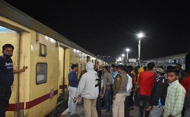 Bhagalpur Firing : देहरादून-हावड़ा एक्सप्रेस में गोलीबारी, बंदी को मारने की कोशिश, रेलवे गार्ड को छूती हुई निकली गोली