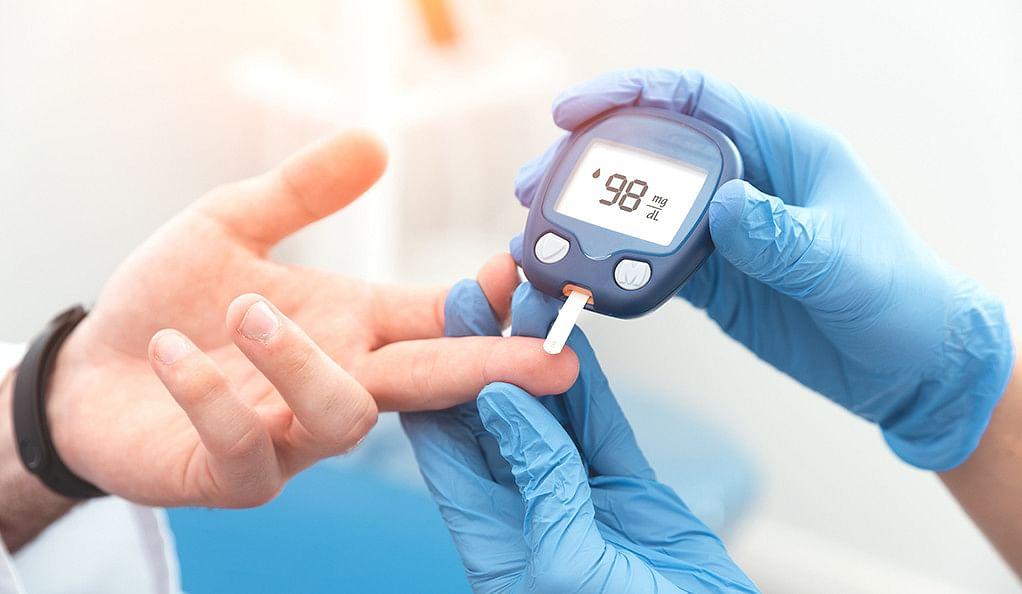 Diabetes : डायबिटीज के मरीज इन बातों का रखें खास ध्यान, खान-पान में शामिल करें ये चीजें