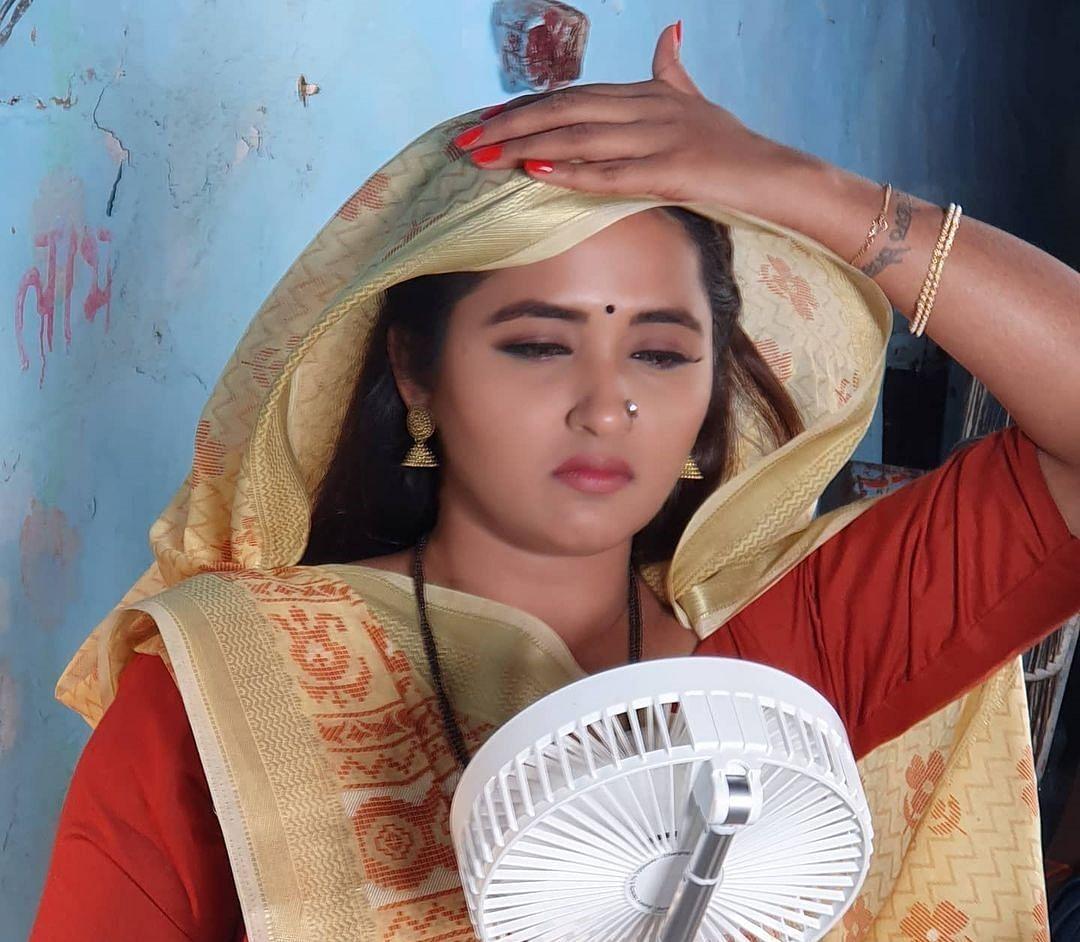 जब काजल राघवानी ने अपने डॉगी को दे डाला FUN मसाज, वीडियो को देखकर हंसने लगे फैंस