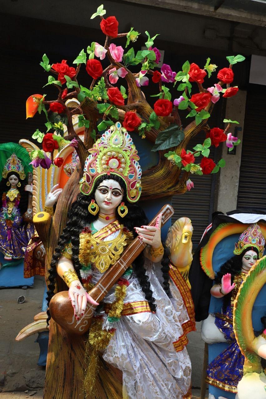 Basant Panchami 2021 : विद्या की देवी मां सरस्वती की ऐसे करें पूजा, इन बातों का रखें विशेष ध्यान, ये है शुभ मुहूर्त