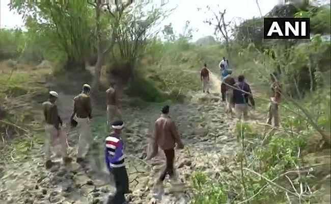 Unnao Case : खेत में मृत मिली दो दलित लड़कियों की मौत का कारण स्पष्ट नहीं, शरीर पर चोट का नहीं कोई निशान