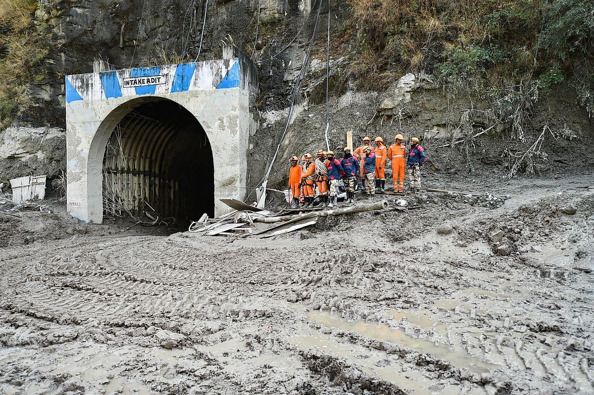 Uttarakhand Glacier Burst News : उत्तराखंड जलप्रलय में अब भी गायब हैं 197 लोग, सुरंग में अब भी जारी है रेस्क्यू ऑपरेशन, देखें VIDEO