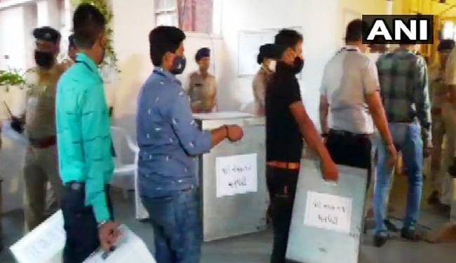 गुजरात स्थानीय चुनाव : मतगणना शुरू, आज आ जायेगा सभी छह महानगरों का परिणाम