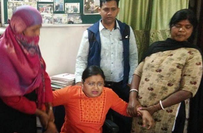 Jharkhand Crime News : झारखंड में 15 हजार घूस लेते महिला थाना प्रभारी मीरा सिंह गिरफ्तार, एंटी करप्शन ब्यूरो ने रिश्वत लेते दबोचा