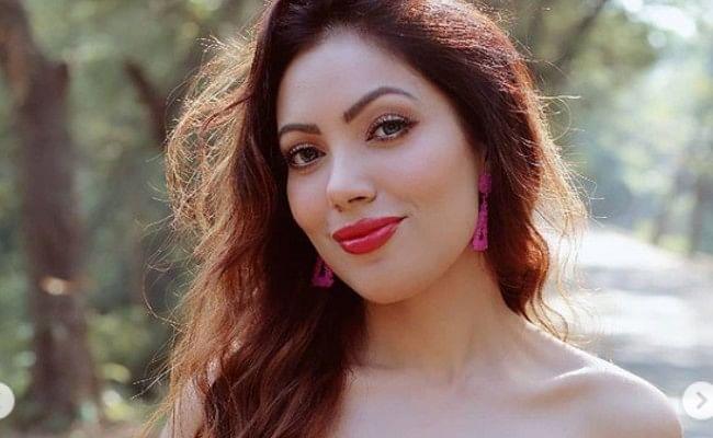 Taarak Mehta Ka Ooltah Chashmah : 'बबीता जी' ने रेड ड्रेस में शेयर की ये बोल्ड फोटो, फैंस ने कमेंट में लिखा,' टप्पू का मैसेज...'