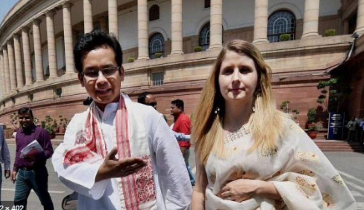 सीएए के विरोध में 50 लाख गमछा इकट्ठा करेगी कांग्रेस, असम में घोषणापत्र समिति के अध्यक्ष गौरव गोगोई ने किया ऐलान