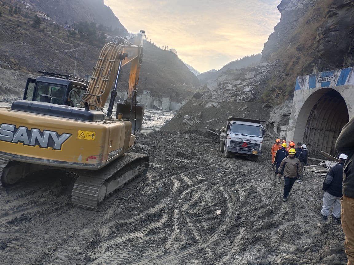Chamoli Disaster: तपोवन टनल में अब भी फंसे हैं लोग, अब तक 36 शव बरामद, 200 लोगों की तलाश जारी