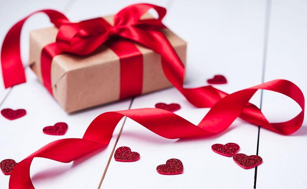 Valentines Day के लिए खास गिफ्ट आइडियाज, जो उनके चेहरे पर लाएंगे मुस्कान