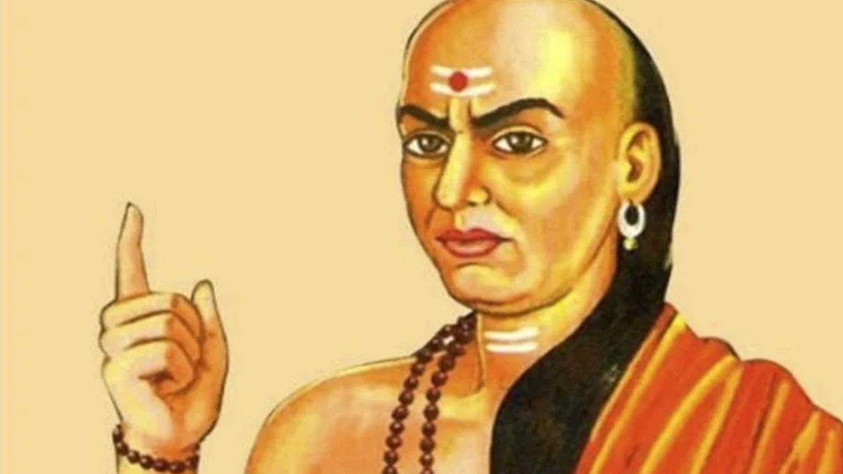Chanakya Niti Success Mantra: जीवन में अपनाएं चाणक्य के ये तीन मंत्र, धन कमाने और सफलता पाने में होगा मददगार