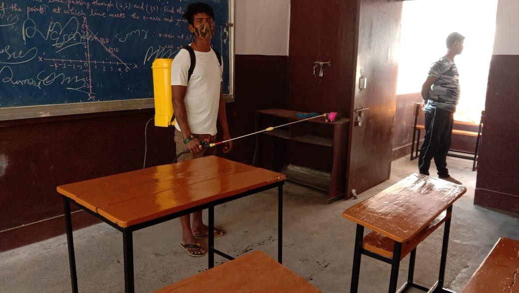 School Reopen: बिहार के स्कूलों में 11 माह बाद गूंजेगी बच्चों की खिलखिलाहट, सरकार के इन दिशानिर्देशों का जानना बेहद जरूरी