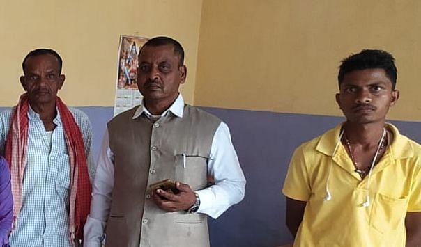Jharkhand Crime News : नौकरी का झांसा देकर रांची में नेटवर्किंग कंपनी ने बोकारो की नाबालिग लड़कियों को बनाया बंधक, चार गिरफ्तार, पढ़िए कैसे मुक्त हुईं लड़कियां