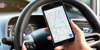 Driving के दौरान Google Maps यूज करनेवाले सावधान, लग सकता है भारी जुर्माना