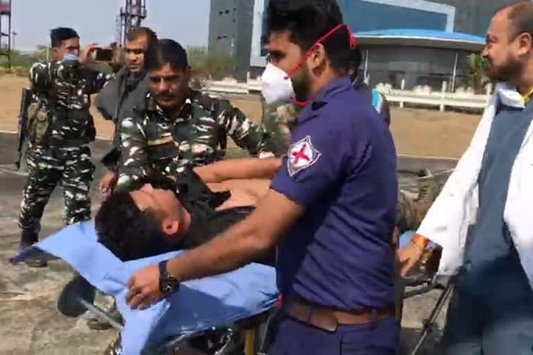 Jharkhand Naxal Breaking News : झारखंड के पश्चिमी सिंहभूम में पुलिस-नक्सली मुठभेड़, घायल कोबरा बटालियन का जवान खतरे से बाहर, सर्च अभियान जारी