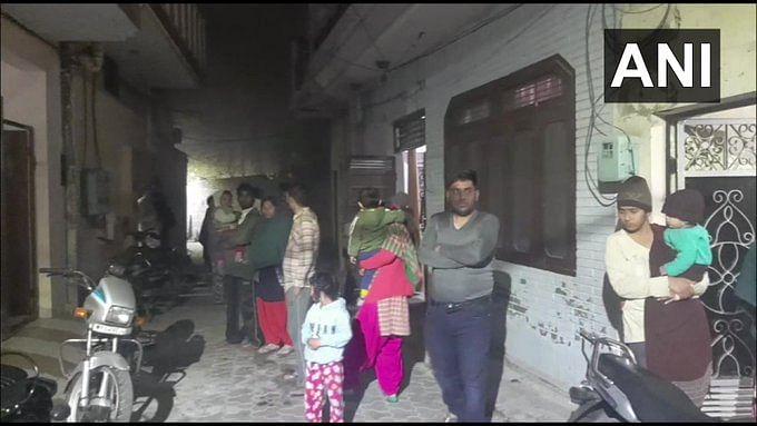 Earthquake Latest Updates : भूकंप से हिल गया आधा देश, कड़कड़ाती ठंड में कंबल लेकर बाहर भागे उमर अब्दुल्ला, बोले राहुल गांधी -हिल रहा है  पूरा कमरा