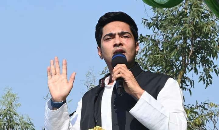 Bengal Chunav 2021: हिंदू-मुस्लिम के बाद हिंदी-बांग्ला में भिड़े नेताजी,अब अभिषेक ने पीएम मोदी को दे डाला चैलेंज