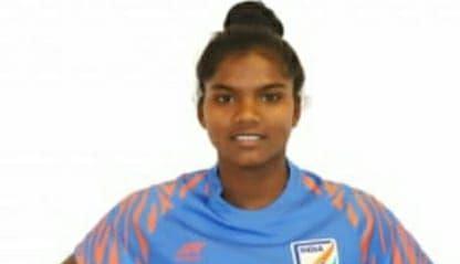 Jharkhand News : तुर्की में भारतीय टीम से फुटबॉल खेलेगी झारखंड के गुमला की बेटी सुमति उरांव, पढ़िए किसान की बिटिया ने कैसे हासिल की उपलब्धि