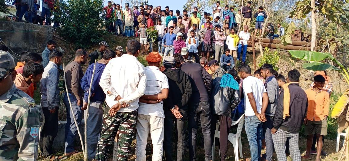 Jharkhand Crime News : झारखंड के पलामू में किसान की हत्या, कुएं में मिला शव, जांच में जुटी पुलिस