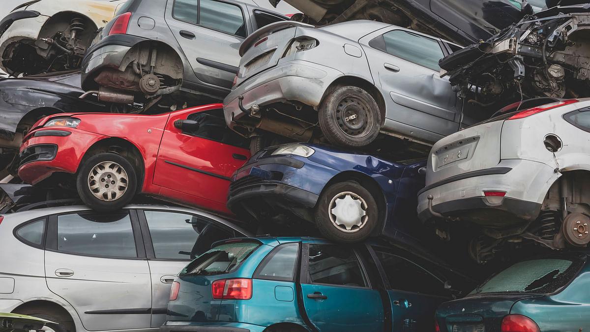 Budget 2021 Update: 15 साल से पुरानी गाड़ियां नहीं दिखेंगी सड़कों पर, आ गई नयी व्हीकल स्क्रैपेज पॉलिसी